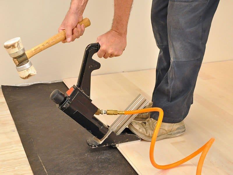 Flooring Pneumatic Nailer